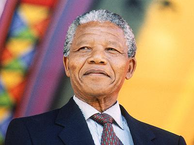 Allereerst meer informatie over deze man zelf voor je spreekbeurt: Nelson Mandela werd geboren op 18 juli 1918 in Mvezo wat in Zuid-Afrika ligt. - nelson-mandela